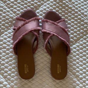 Mossimo pink slides